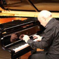 Jean Claude Henriot, piano