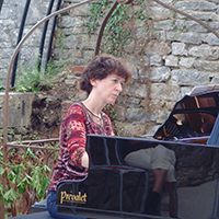 Isabelle Henriot, piano