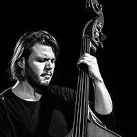 Victor Aubert, contrebasse